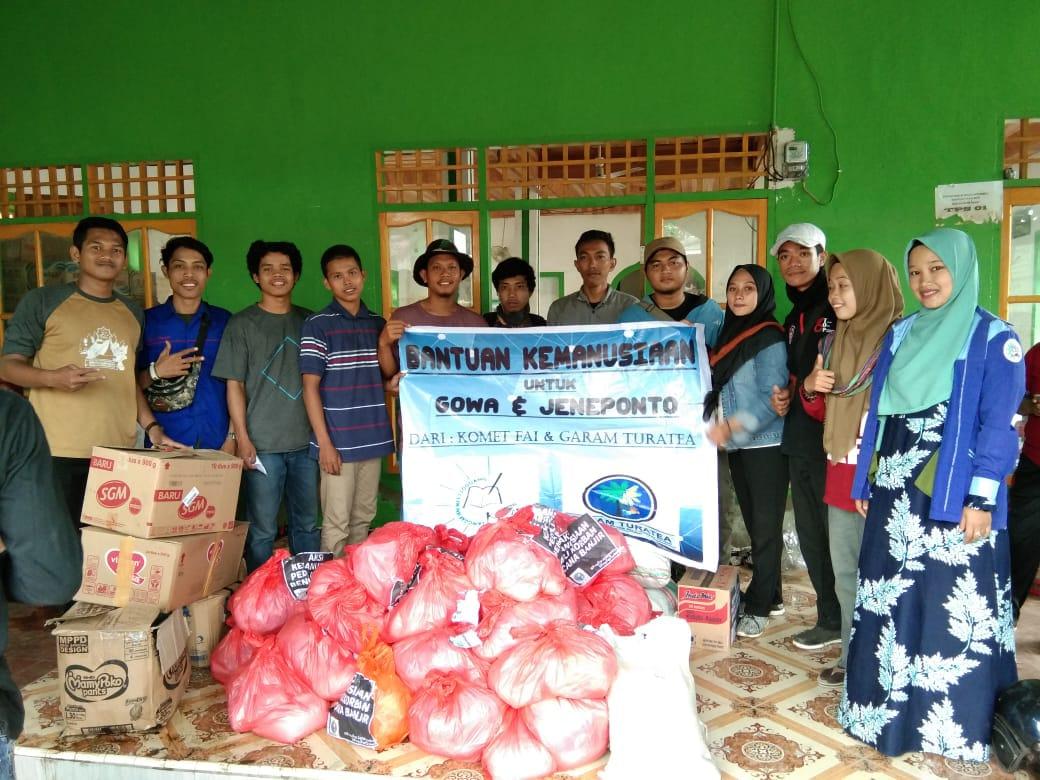 Bersama Garam Turatea, Komet FAI Unismuh Serahkan Bantuan Kemanusian Bagi Korban Banjir di Jeneponto