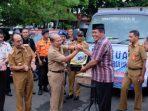 Bupati Andi Sukri Serahkan Bantuan Korban Bencana di Jeneponto