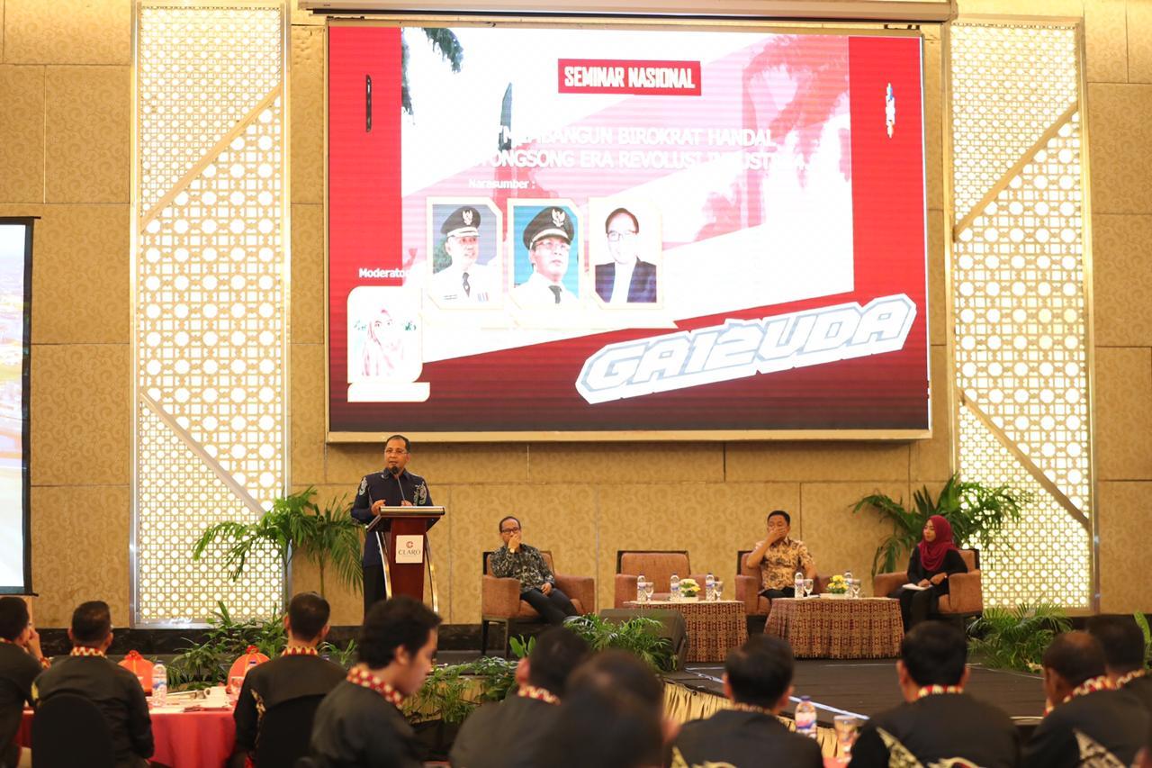 Danny Ungkap Rahasia Sukses Memimpin Makassar di Depan Alumni Purna Praja Angkatan 12