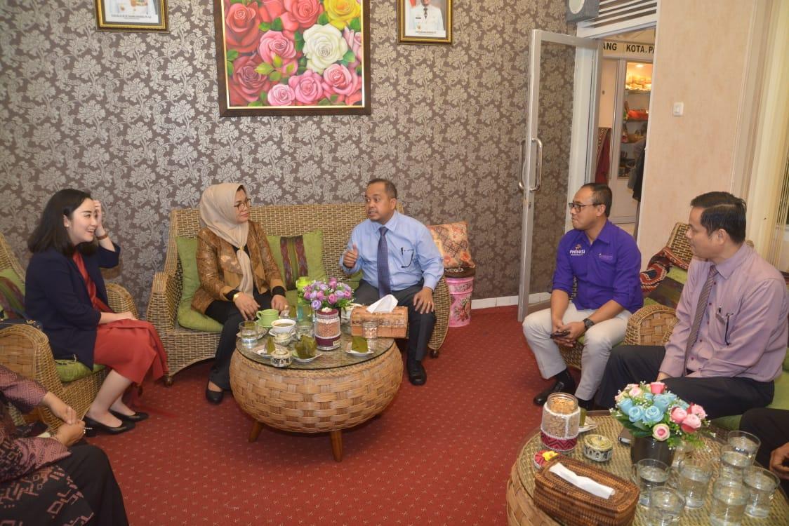 Dekranasda Gandeng Phinisi Hospitality Pasarkan Produk Lokal