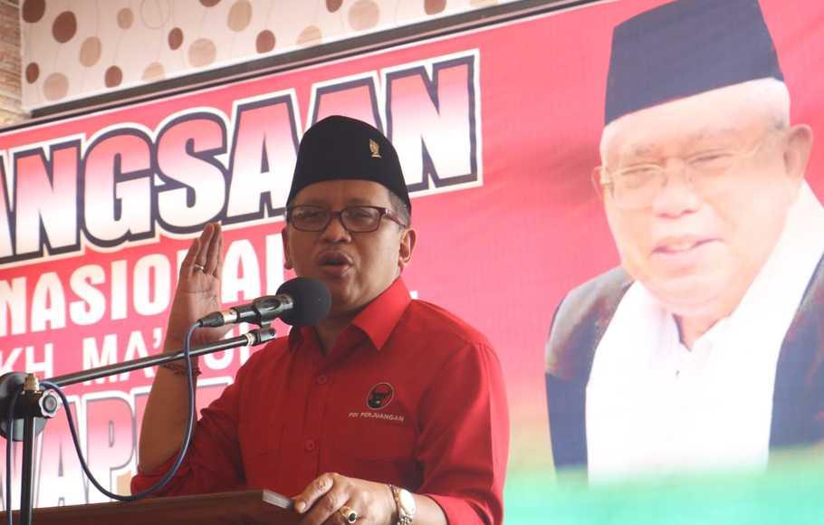 "Doa Mbah Moen Diklaim untuk Prabowo, Hasto: Orang Tua Doakan Anaknya ""Yang Nakal"""