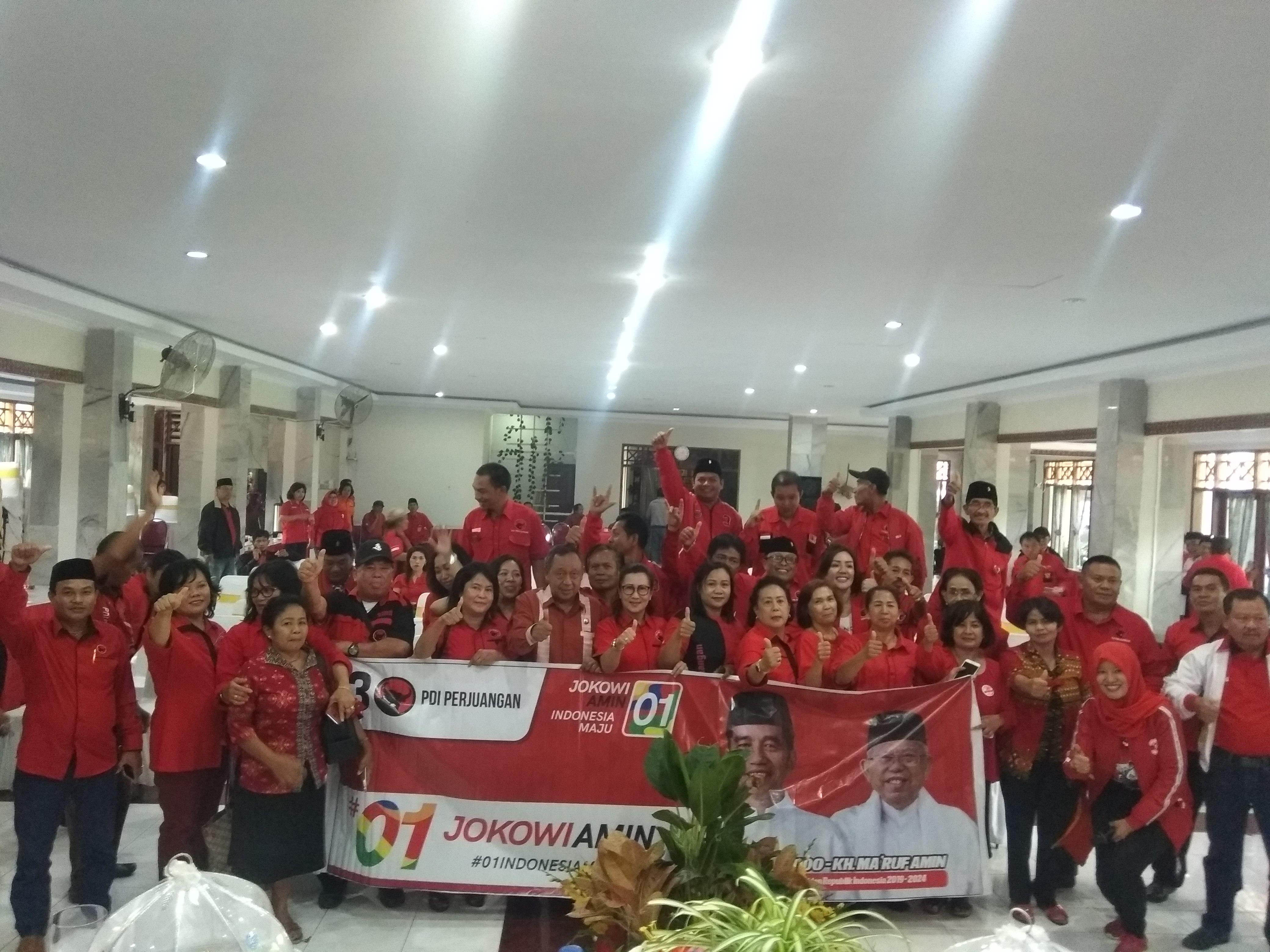Sukses Dudukkan Kadernya jadi Bupati, PDIP Toraja Utara Optimis Persembahan Kemenangan Jokowi-Maruf