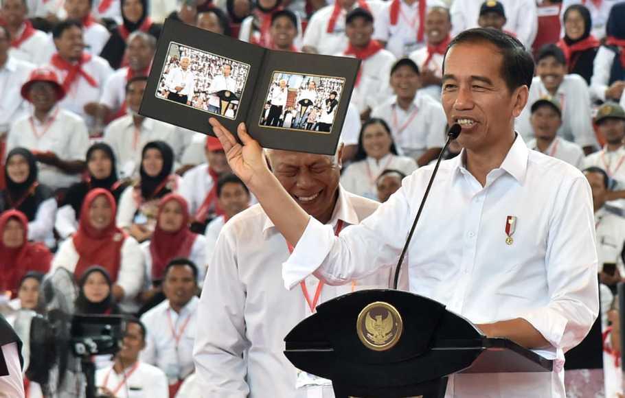 Tidak Panik, Jokowi Sedang Memainkan Strategi Ofensif