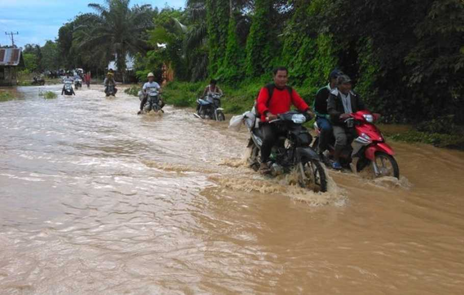 Banjir Bandang Rusak Ratusan Rumah di Mamuju