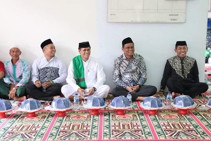 Bupati Suardi Saleh, menghadiri Isra Mi'raj yang di gelar di Masjid Masdarul Taqwa