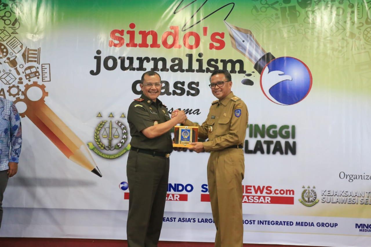 Gubernur Sulsel Puji TP4D Didepan Kejati Sulselbar