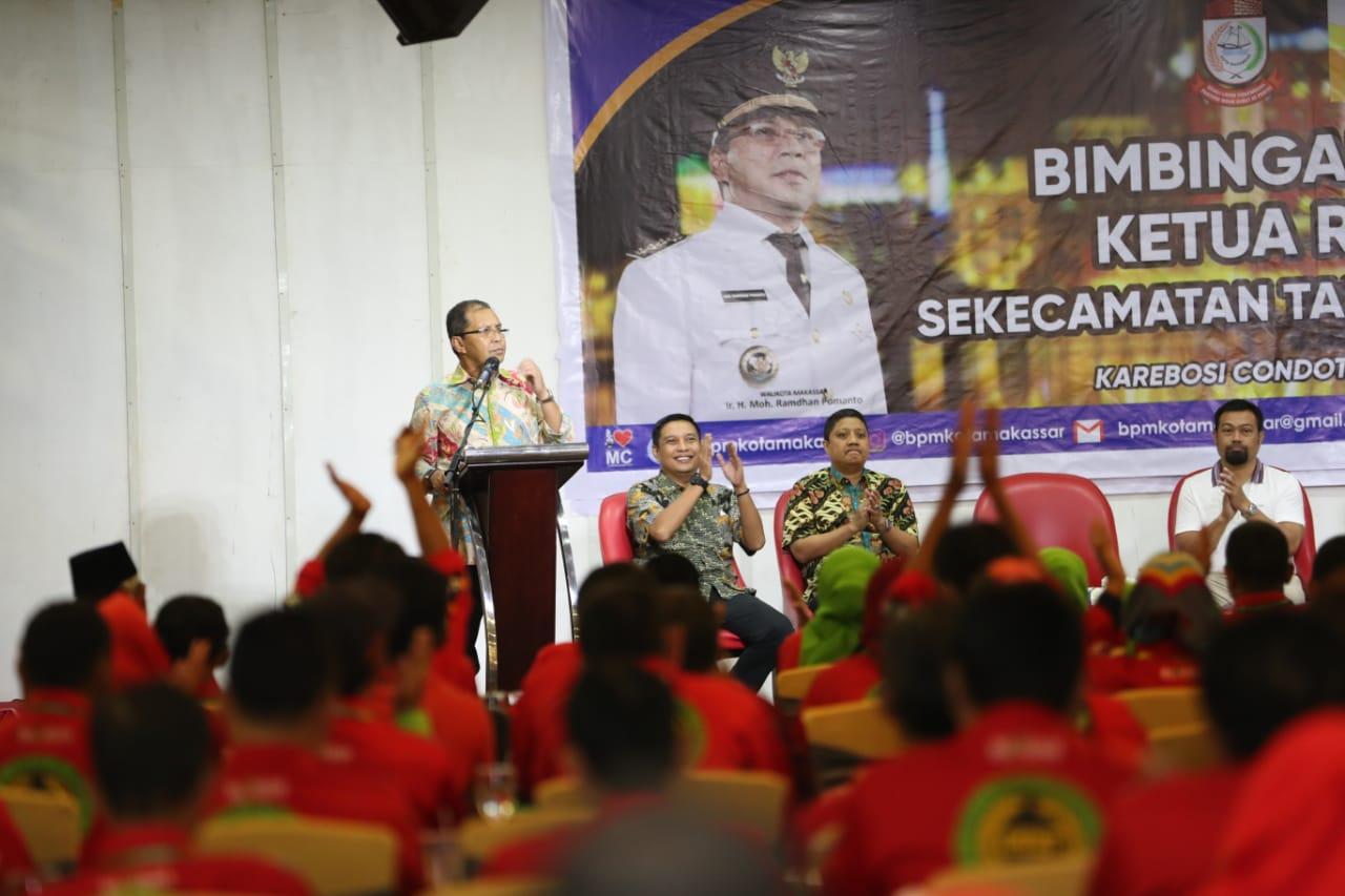 Hadiri Bimtek Ketua RT/RW Kecamatan Makassar dan Tallo, Begini Pesan Wali Kota Danny