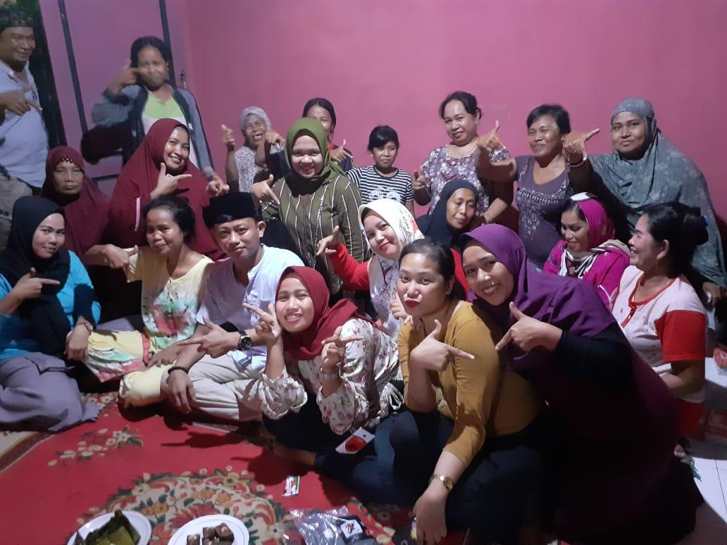 Pasukan Emak-emak Kelurahan Parang Layang All out Menangkan Andi Fahmi