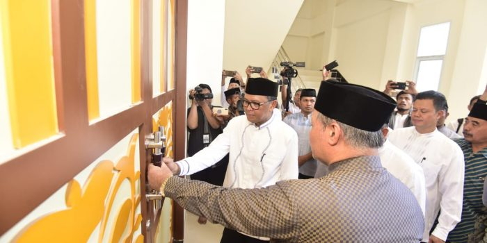 Gubernur Sulsel Resmikan Mesjid Mamajang Raya