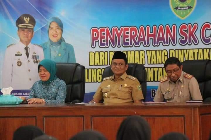 Bupati Barru Suardi Saleh, Menghadiri Acara Penyerahan SK Calon PNS