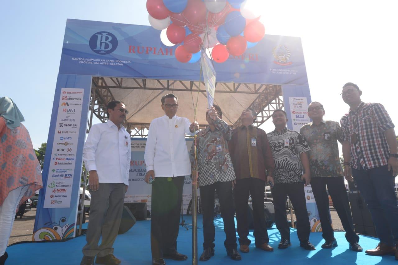 Gubernur Nurdin Abdullah Resmi Buka Layanan Penukaran Uang Rupiah Jelang Idul Fitri
