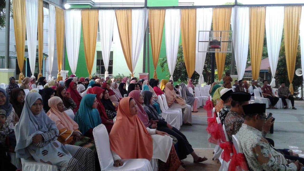Jalin Silaturahim, Pondok Pesantren Ummul Mukminin Gelar Buka Puasa Bersama Warga
