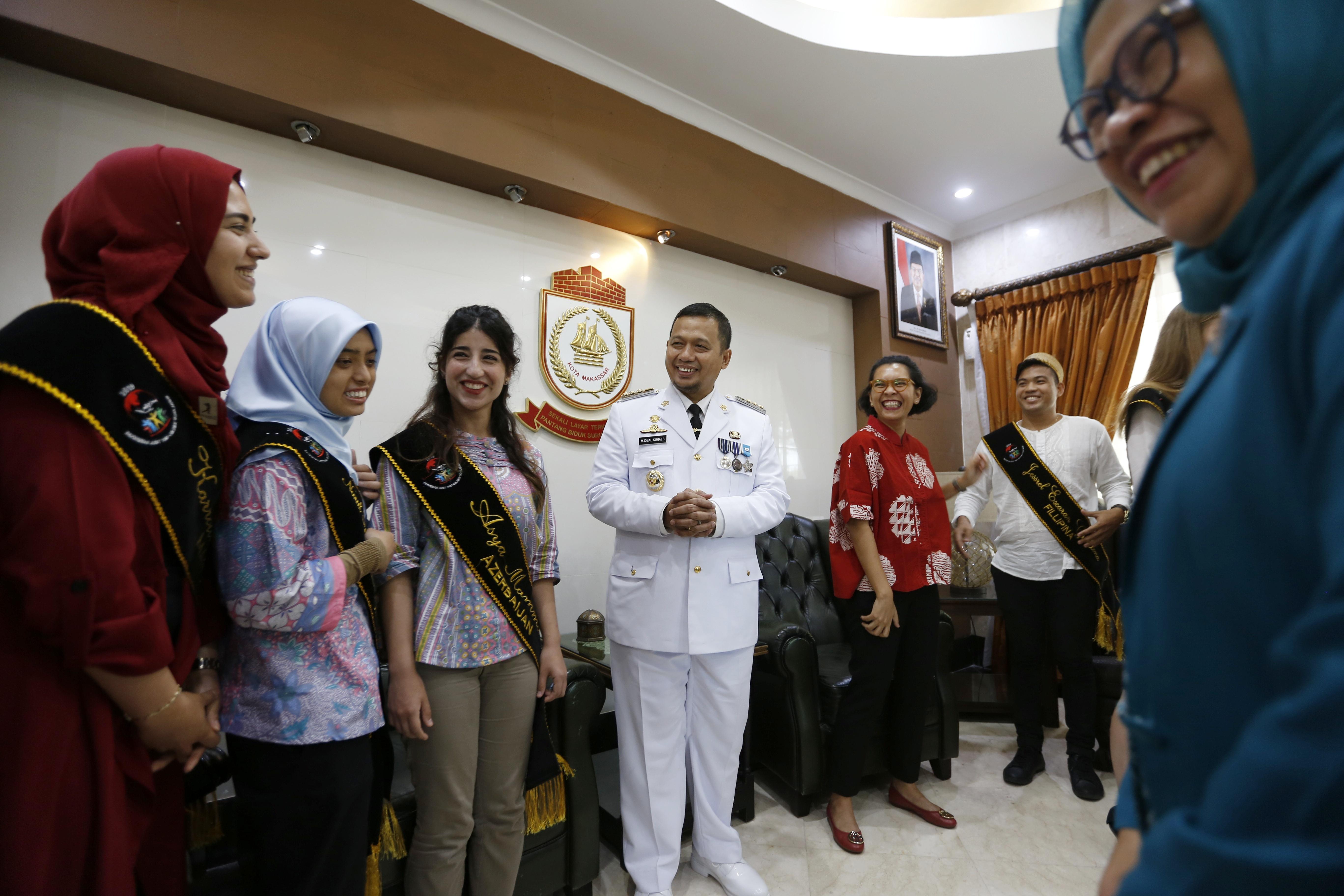 Mahasiswa Beasiswa Kemenlu Silaturahmi Bersama PJ Wali Kota Makassar