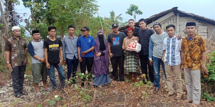 Camat Marbo Dan Pemdes Laikang Salurkan Bantuan Untuk Warganya