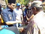 Kunjungi Korban Kebakaran Bupati Barru, Berikan Bantuan Kepada Korban Kebakaran di Desa Ajakkang