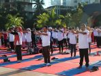 Warga Makassar Ramaikan Festival Yoga Internasional