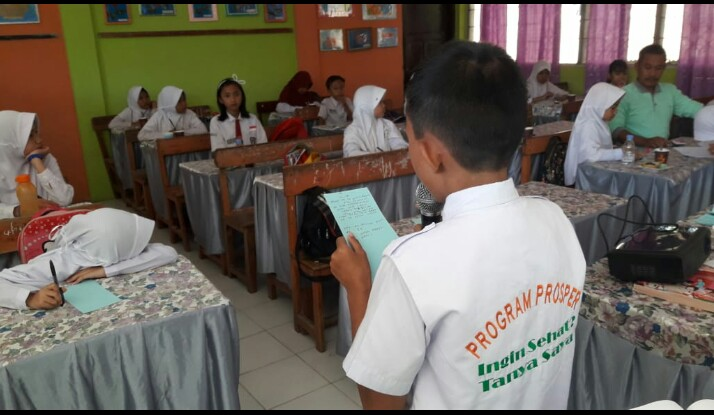 CARE International Latih Anak Kampanye Sanitasi Melalui Puisi, Cerita, dan Poster