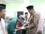 Bupati Barru Memberikan Insetif Triwulan Sebanyak 2000 Orang