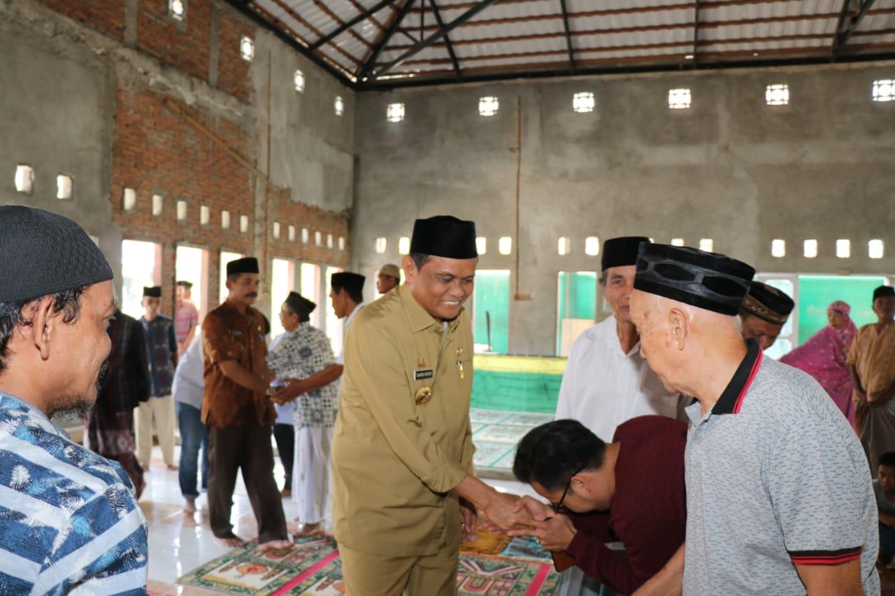 Jalin Silaturahim dengan Warga Bupati Barru Gelar Jumat Keliling