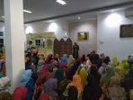 Hasnah Syam, Menyarahkan Insetif Triwulan Kepada Guru Paud