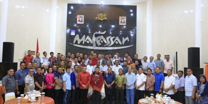 Pj Walikota Makassar Iqbal Suhaeb Jamu Bupati Tapanuli