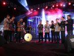 Sari dan Puput Tampil Memukau di Pembukaan Festival Pinisi ke 10