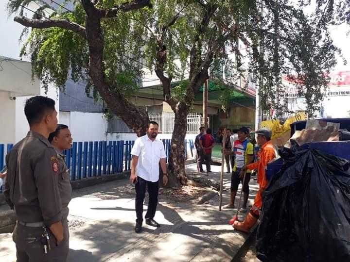 Warga Maricaya Baru Keluhkan Keberadaan Rumah Pohon, Camat Makassar Lakukan Pembongkaran