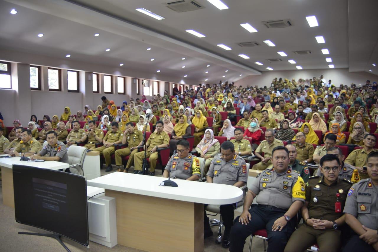 Menjelang Pelantikan Presiden Kepala Sekolah se-Kota Makassar, di Beri Arahan Oleh Kapolda Sulsel Menjaga Keamanan