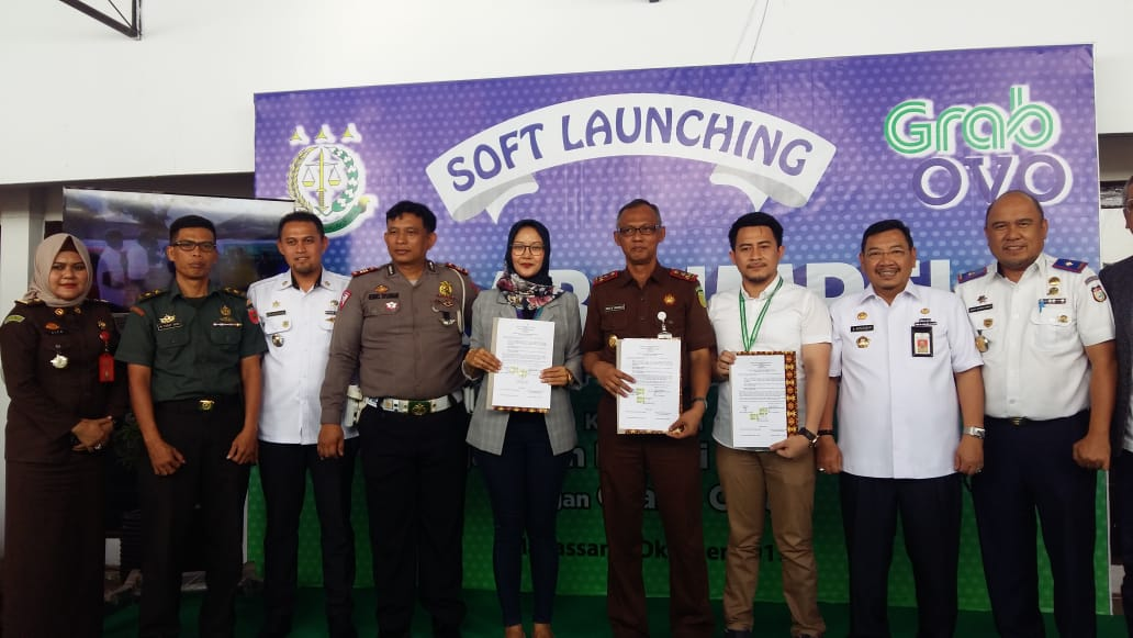 Mudahkan Masyarakat dalam Transaksi Denda Tilang, Kejari  Makassar Berlakukan Simpel
