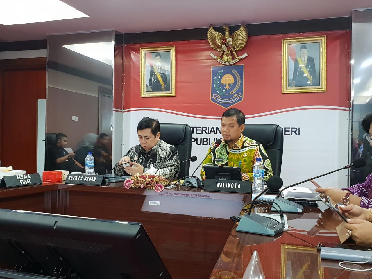 Pj Walikota Makassar Iqbal Suhaeb berhasil Mempertahankan Penghargaan IGA Kemendagri RI