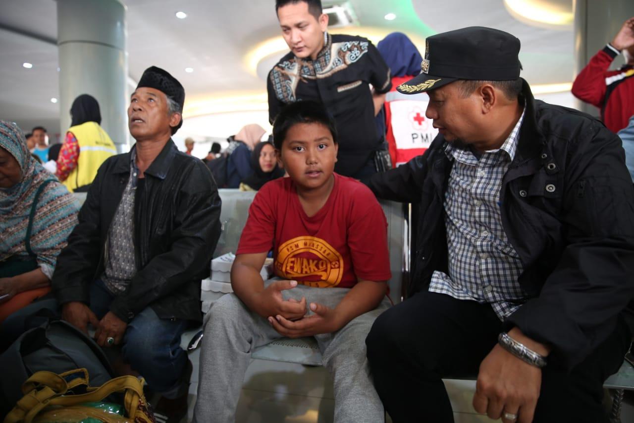 Pj Walikota Sambut Kedatangan Pengungsi Wamena di Pelabuhan Soekarno Hatta
