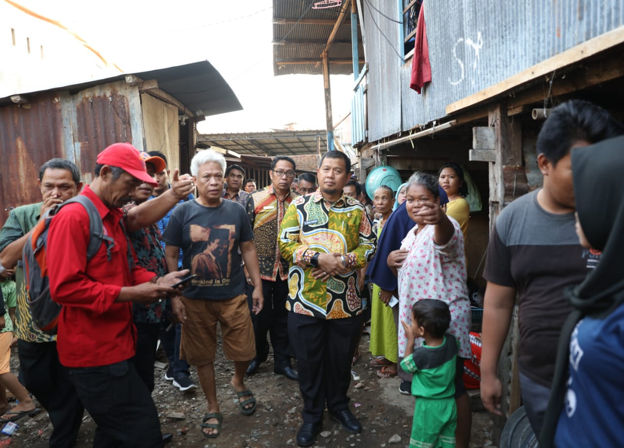 Warga Korban Kebakaran di Toddoppuli Dapat Kunjungan dari Pj Wali Kota Makassar