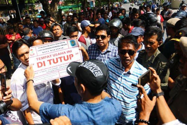 Disperindag Makassar Tertibkan Tiga Gudang, yang Ada di Kecamatan Tallo