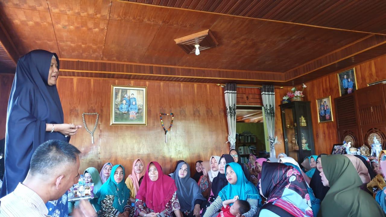 Tak Lupakan Konstituen, Hasnah Syam Intens Keliling Desa Bersilaturahmi