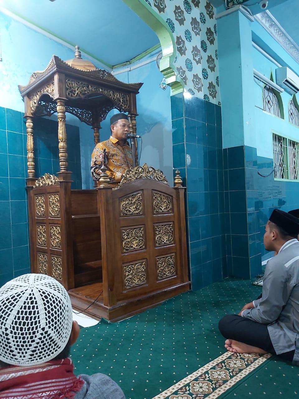 Pesan Iqbal Suhaeb Usai Shalat Subuh di Bara-Baraya