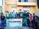 Peringati Hari Lahir NU, Iqbal Lakukan Aksi Bersih Masjid Nurul Amal Tamalaba