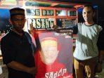 Persatuan Pedagang Pisang Epe Pantai Losari Sukarela Sumbang Ratusan Baliho untuk Sadap