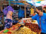 Cegah Virus Corona, DPD KNPI Maros Bagi-Bagi Hand Sanitizer ke Masyarakat