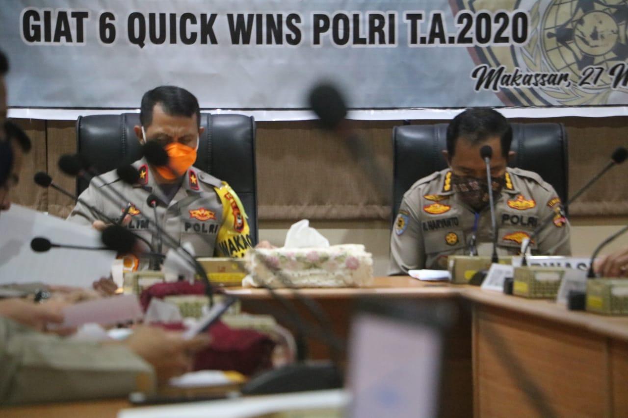 Wakapolda Sulsel Pimpin Rapat Pembagian Sembako