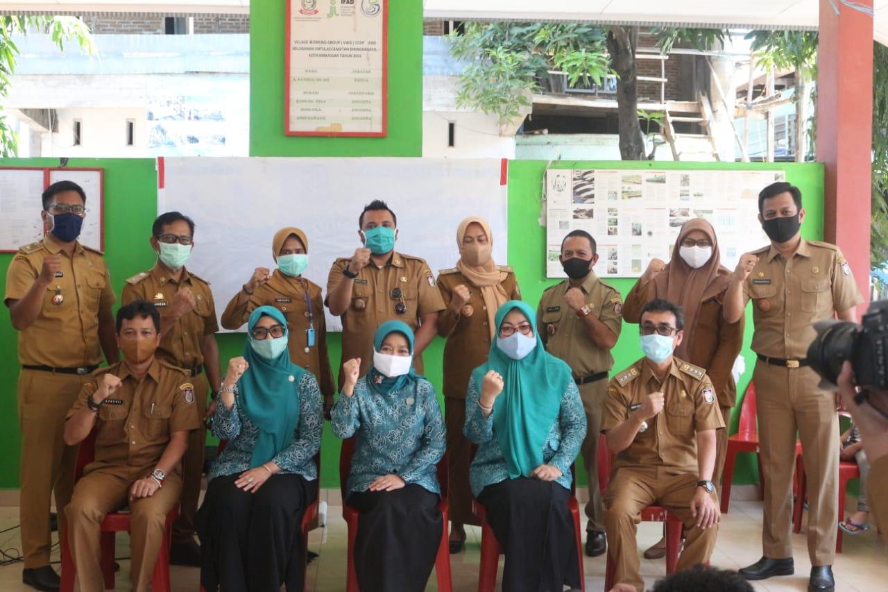 Kunjungi Kelurahan Untia, Ketua TP PKK Makassar Kampanyekan Senam Sehat Tangkal Covid