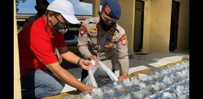Ribuan Benih Ikan Dilepas di Kolam Aquaponik Batalyon C Pelopor.