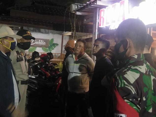 Tim Terpadu Gugus Tugas Covid-19 Tertibkan Kafe Langgar Jam Operasional, Ingatkan Parepare Masih Rawan