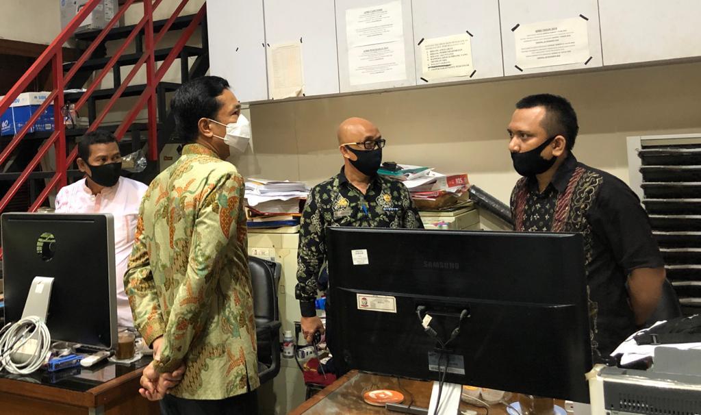 Cek Kedisiplinan Pegawai, Rudy Sidak Ruangan di Balaikota