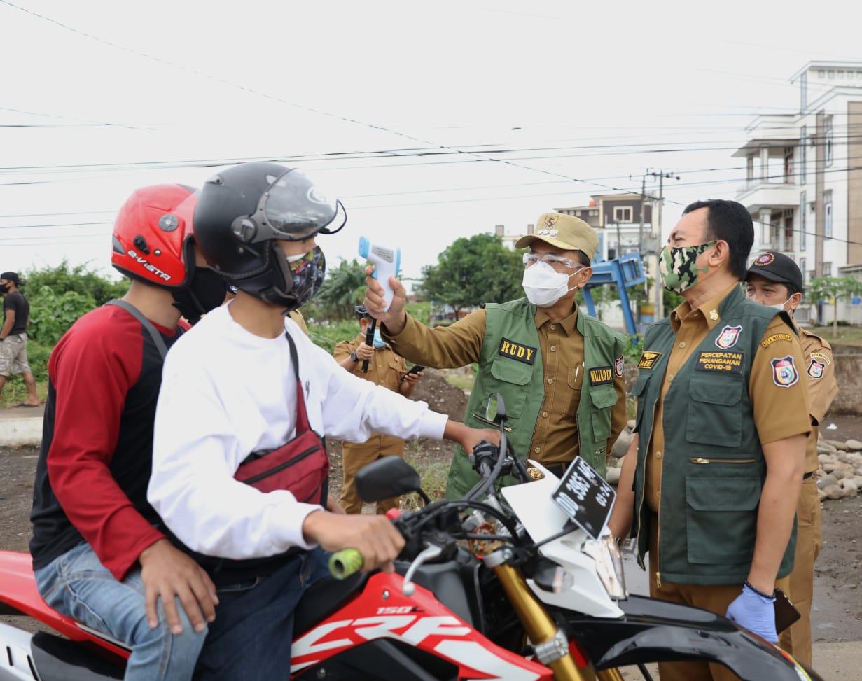 Hari Pertama Penerapan Perwali 36, Rudy Keliling Perbatasan Kota Makassar
