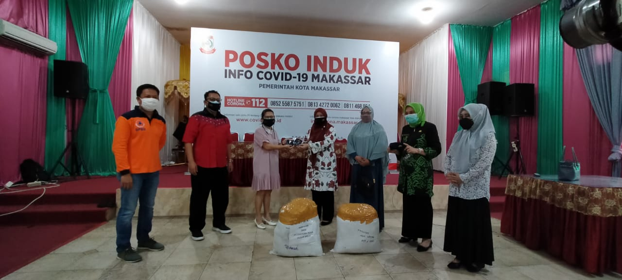 TP PKK Makassar Terima 1000 Masker dari PT Eastern Pearl Flour Mills