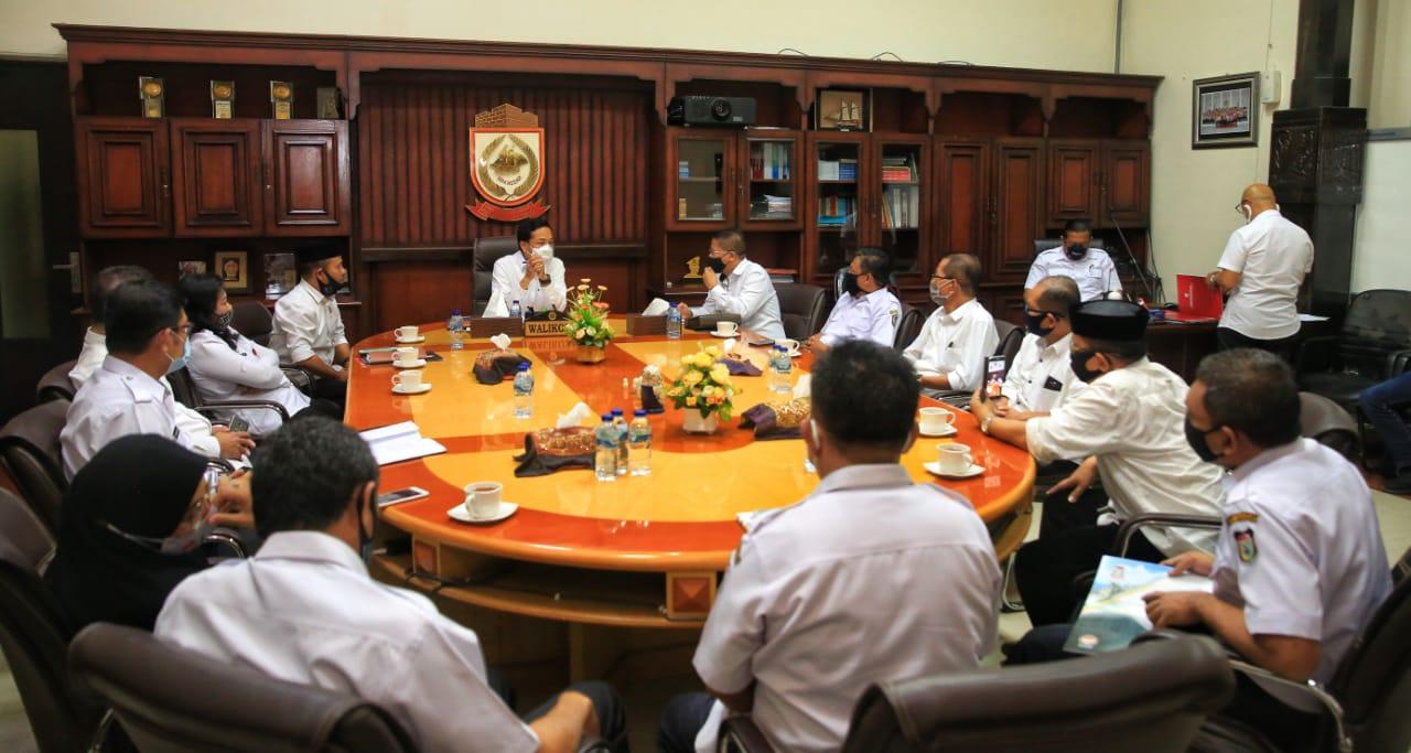 Bertemu Prof Rudy Ketua IKA FH UMI Sinergi Pemkot Makassar Kendalikan Covid 19