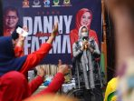 Aksi Kemanusiaan, Kubu Danny-Fatma Langsung Serahkan Bantuan ke Korban Kebakaran