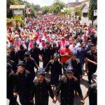 Massa Tak Terbendung Kawal Tomy Satria – A.Makkasau Mendaftar di KPU