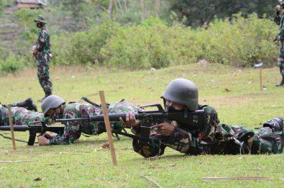 Personel Korem 141/Tp Mengikuti Latihan Menembak