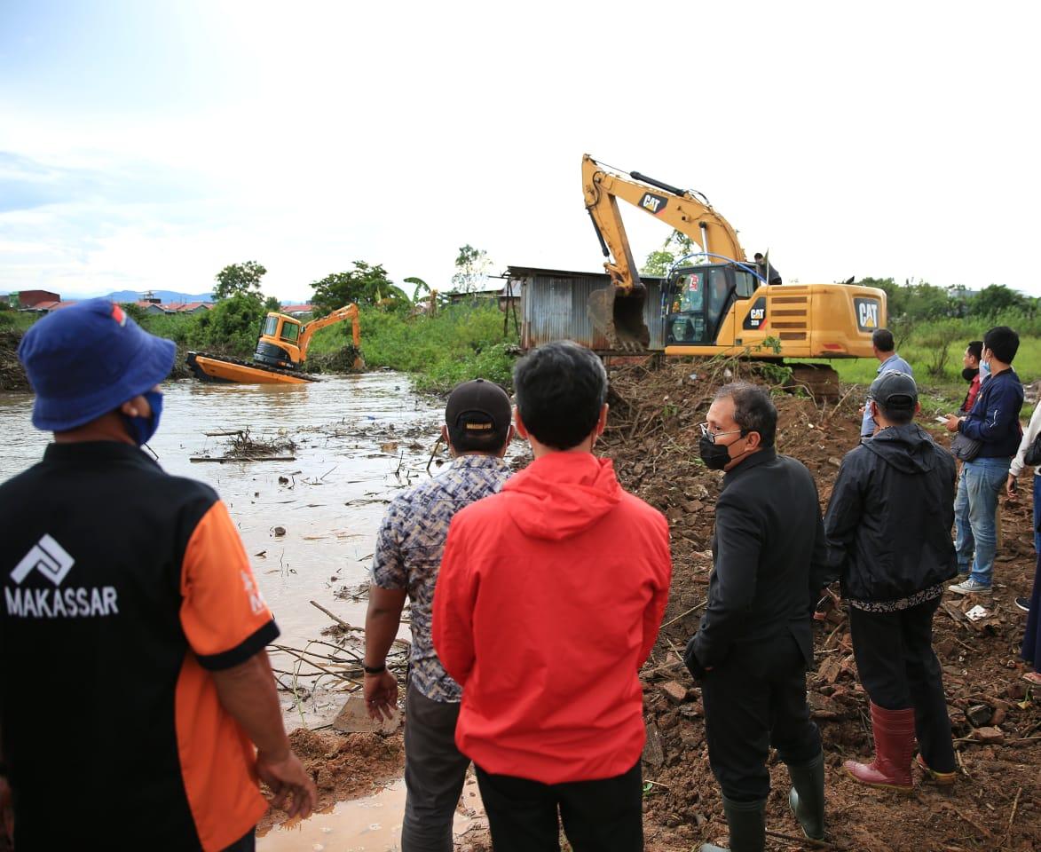 Danny-Fatma Gerak Cepat Turunkan 3 Alat Berat Atasi Banjir di Kodam 3